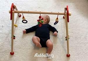 Spielzeug Für Baby 8 Monate : sinnvolles babyspielzeug ab 3 monate ~ Watch28wear.com Haus und Dekorationen