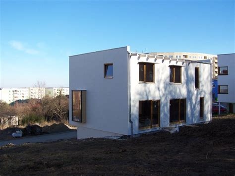 Low Cost  Low Energy Holzhaus Mit Integrierter Garage
