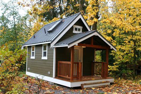 Klein Huisje Bouwen by Tiny House Golb