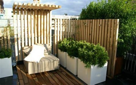 Pflanzen Holz Und Alu Sichtschutz Fuer Den Balkon by Balkon Seitensichtschutz Aus Holz