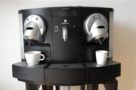 Nespresso Gemini by Professional Nespresso Gemini Cs 200 Pro Capsule Coffee