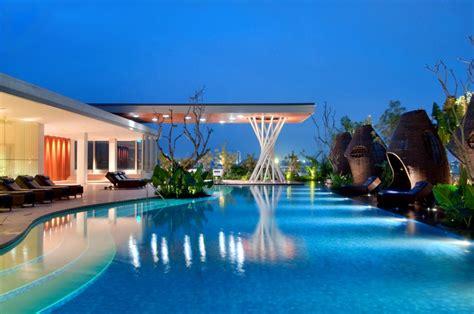 hilton bandung indonesia  hiltons modern glass