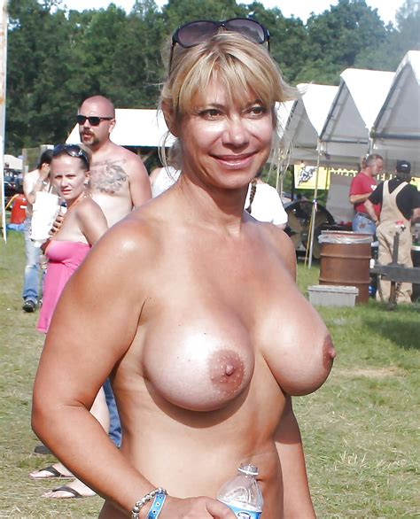 Nudes A Poppin Audience 72 Pics