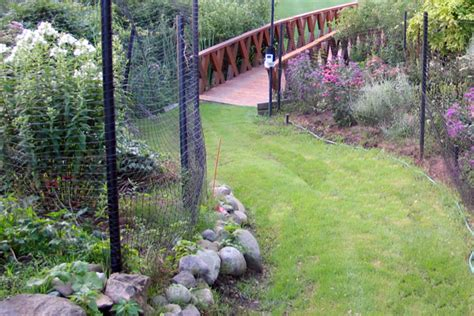 Garden Deer Fence by Deer Fences Keep Out Of Your Yard Metro Fence