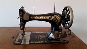 Ancienne Machine A Coudre : ancienne machine coudre singer avec pi ces originales ~ Melissatoandfro.com Idées de Décoration