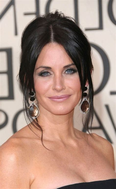 Formal Hairstyles: Elegance Mixed with Contemporary Casual