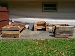 Reclaimed barn wood furniture old crustpizza decor for Barnwood outdoor table