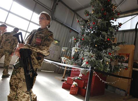 troops in afghanistan celebrate christmas