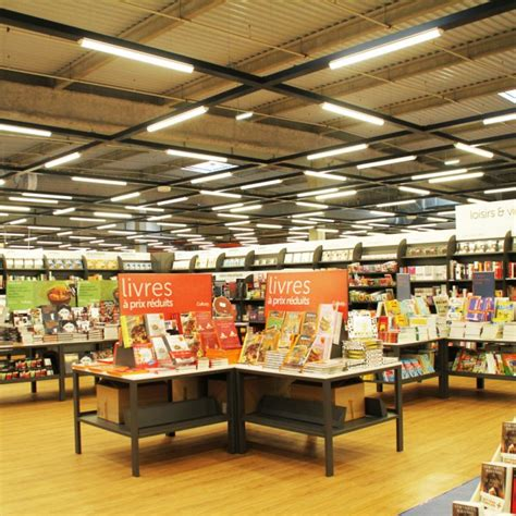 magasin spécialisé cuisine eclairage d 39 un magasin spécialisé en produits culturels