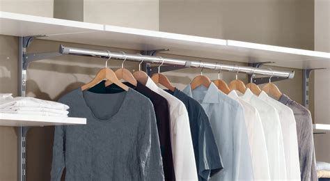 kleiderstangen für die wand kleiderstange wei 223 chrom regalraum