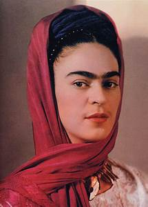 12 Color Photos Of Famous Frida Between The 1930s And ...