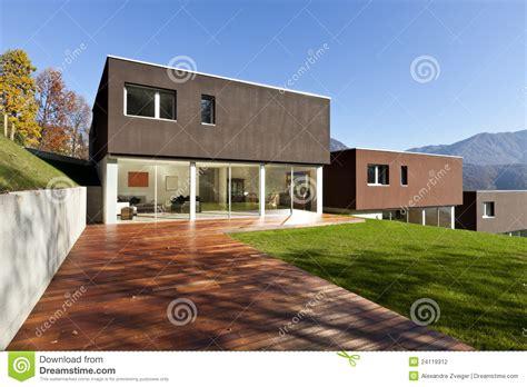 Moderne Häuser Und Gärten by Moderne H 228 User Mit Garten Stockfotografie Bild 24119312
