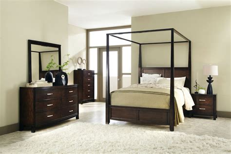 Furniture : Canopy Bedroom Furniture