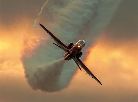 red arrows  stunning winter pictures dayshop blog