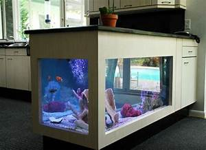 Meuble Bar Pas Cher : l aquarium mural en 41 images inspirantes ~ Teatrodelosmanantiales.com Idées de Décoration
