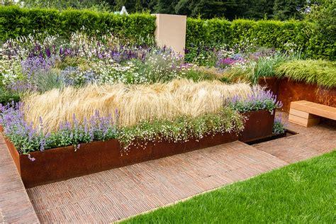 Scaling A Public Garden For An Intimate Space  Lurie Garden