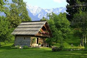 Tiny House österreich : 10 tiny houses you can rent on airbnb co design business design ~ Frokenaadalensverden.com Haus und Dekorationen
