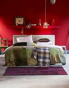 Wandgestaltung Schlafzimmer Lila : farbideen schlafzimmer einflu reiche farben und dekoration ~ Markanthonyermac.com Haus und Dekorationen