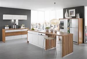 Farbe Für Arbeitsplatte : k chengestaltung mit farbe bunte ideen f r die k che ~ Markanthonyermac.com Haus und Dekorationen