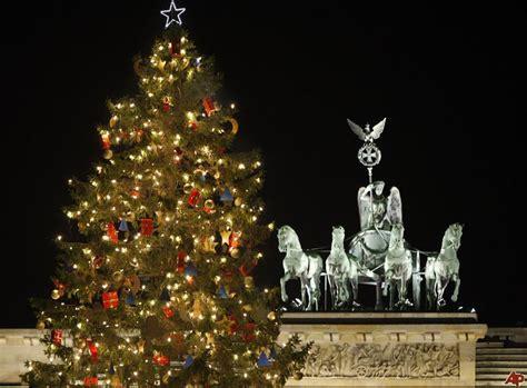 christmas around the world how do other countries celebrate christmas internchina internchina