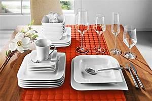 Assiette Blanche Carrée : belle vaisselle moderne design en image ~ Teatrodelosmanantiales.com Idées de Décoration