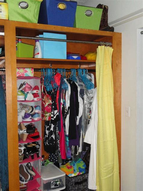 College Closet Organization Ideas by Best 25 Shoe Hanger Ideas On Shoe Storage