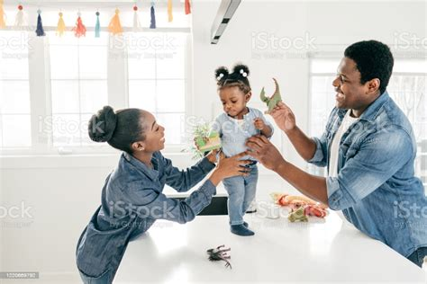 For both whole and term life insurance, your 20s to 30s is the best time to get life insurance. Why Life Insurance Matters In Estate Planning Stock Photo - Download Image Now - iStock