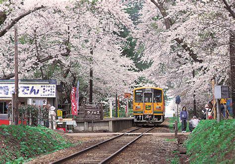 tsugaru railway stove winter train aptinet aomori
