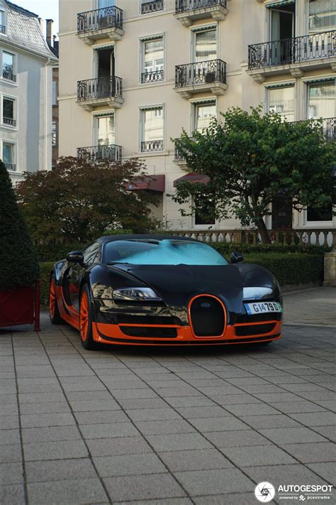 The veyron has a 415kp/h (258mph) top speed and a 1,001 horsepower engine, initially making it the world's fastest production car before its successors were released. Bugatti Veyron 16.4 Super Sport L'Edition Spéciale Record du Monde - 19 September 2019 - Autogespot