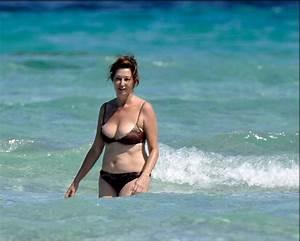 Ana rosa quintana luciendo cuerpazo con un bikini Loc EL MUNDO