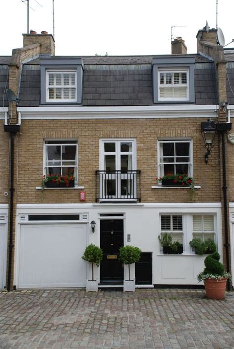 3 Bedroom House In by Central 3 Bedroom House In A Lovely Mews