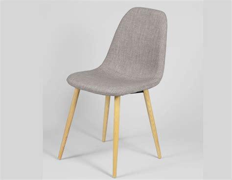 chaise bois gris chaise scandinave bleu ou gris en tissu et en bois ildra
