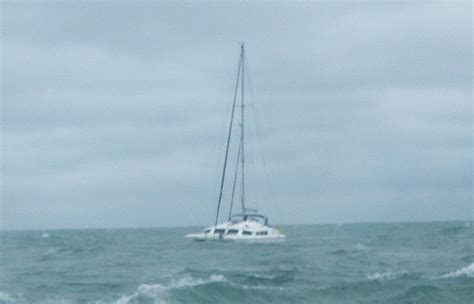 sinking and drifting catamaran assisted by bembridge