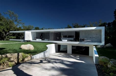 Impressive Glass House In California by No More Privacy In This Luxury Glass Pavilion House By