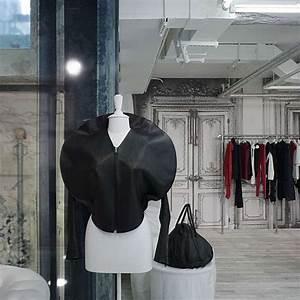 Fashion For Home Showroom München : brick and glass showrooms martin margiela 39 s munich store is an eclectic fashion hub ~ Bigdaddyawards.com Haus und Dekorationen