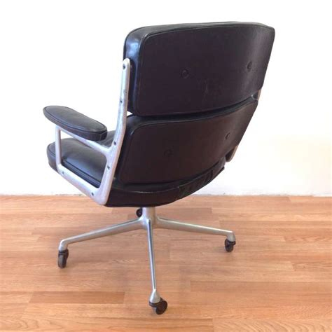 herman miller and charles eames time chair in