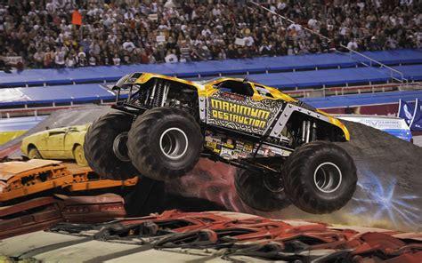 free monster truck video monster trucks wallpapers wallpaper cave