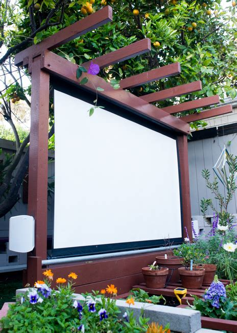 Backyard Theater Screen by Show Thyme How To Build An Outdoor Theater In Your Garden