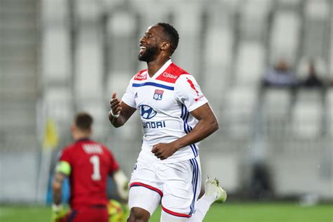 Tottenham fans excited as club linked with Lyon striker ...
