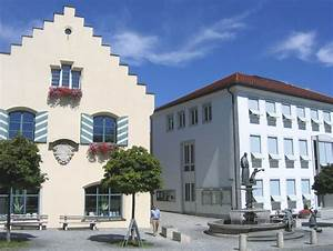 Fileholzkirchen marktplatz rathaus 1jpg wikimedia commons for Holz küchen