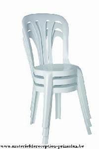 Petite Chaise En Plastique : chaise plastique empilable bistro pas cher annonces gratuites mobilier ~ Teatrodelosmanantiales.com Idées de Décoration