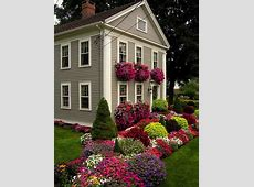 Small Lanscaping Ranch House Design With Beautiful Various