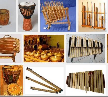 Jenis alat musik petik siter merupakan alat musik asli indonesia yaitu dari jawa tengah. Ini Dia! 46 Alat Musik Tradisional di Indonesia Yang Terkenal - Celoteh Praja Information and ...