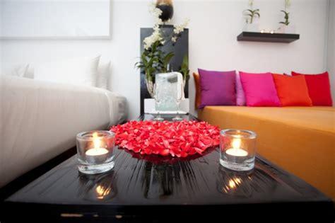 romantic bedrooms   decorate  valentines day