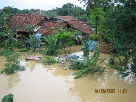 tips menghadapi bahaya banjir