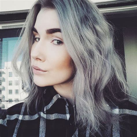 Granny Hair Trend Young Women Are Dyeing Their Hair Grey