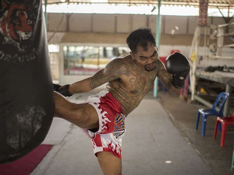 muay thai life prison fighters  rounds  freedom