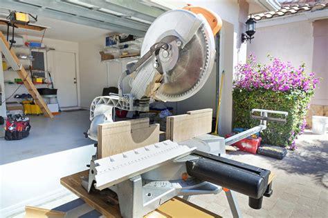 compound miter saws   precise angled cuts