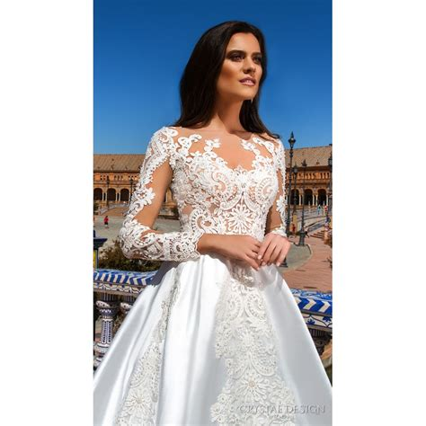Crystal Design 2017 Harlow Satin White Winter Embroidery Sweet Chapel Train Aline Long Sleeves