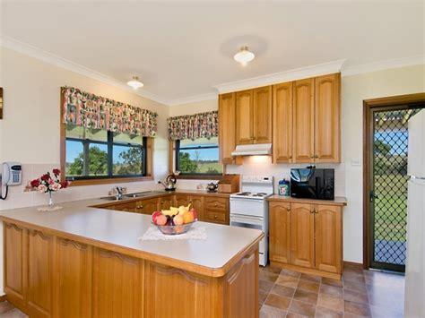 kitchen design u shape homeofficedecoration u shaped country kitchen designs 4598